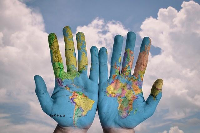Journée nationale & mondiale... - Page 3 Hands-600497